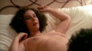 una Donna Allo Specchio Nude Scenes