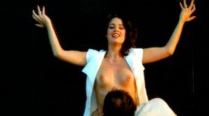 a Dama Do Lotacao Nude Scenes