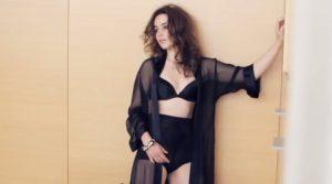 how To Date Emilia Clarke