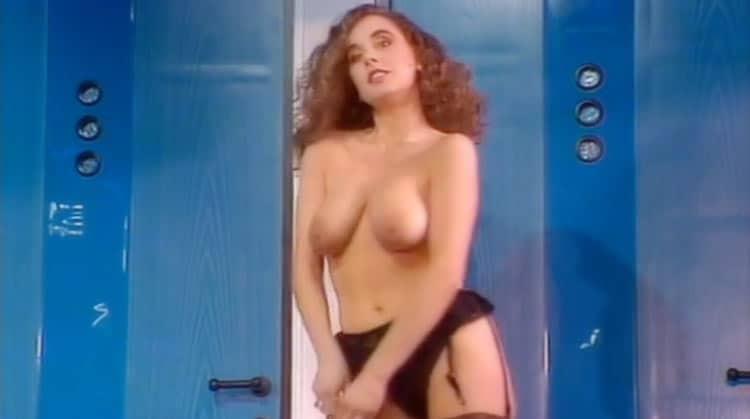 kerry Riebel Striptease Colpo Grosso Eurogirls